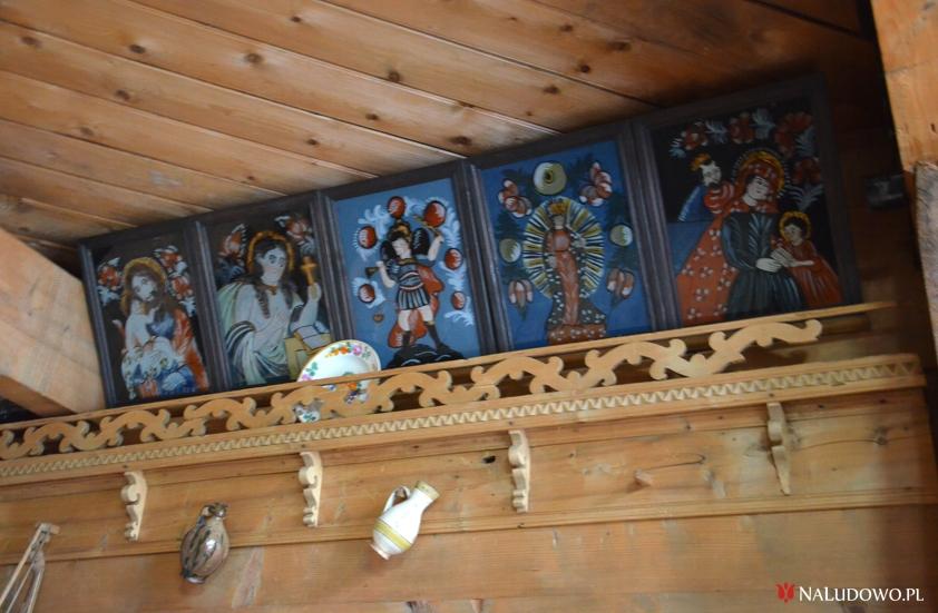Parada świętych - obrazy malowane na szkle w góralskiej izbie