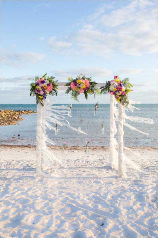 Ślub w stylu boho - dekoracje ( www.weddingchicks.com)