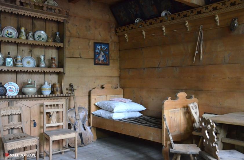 Wnętrze izby góralskiej - meble