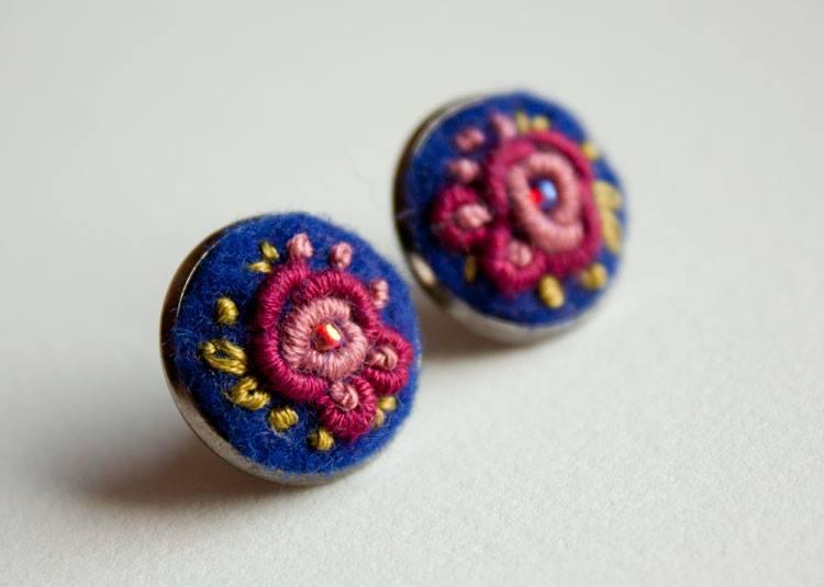Ooliku - haftowane kolczyki z motywem kwiatowym