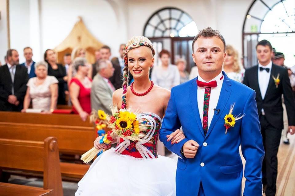 Ludowy ślub Pauliny i Przemka (foto: lukaszkot.pl)