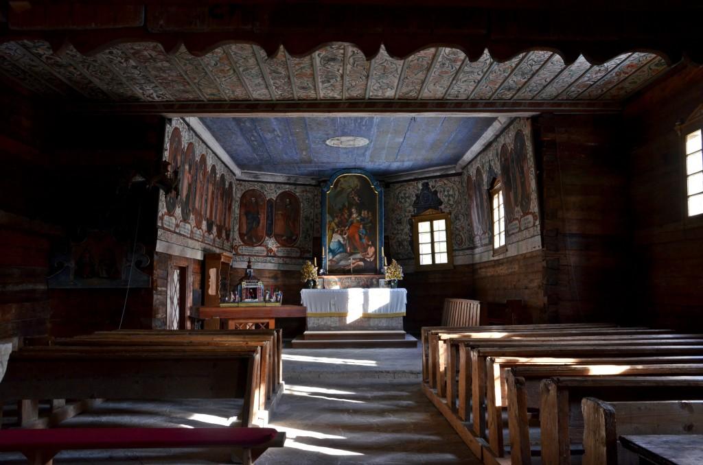 Muzeum Wsi Orawskiej w Zubercu, wnętrze kościoła św. Elżbiety (fot. M. Armata)