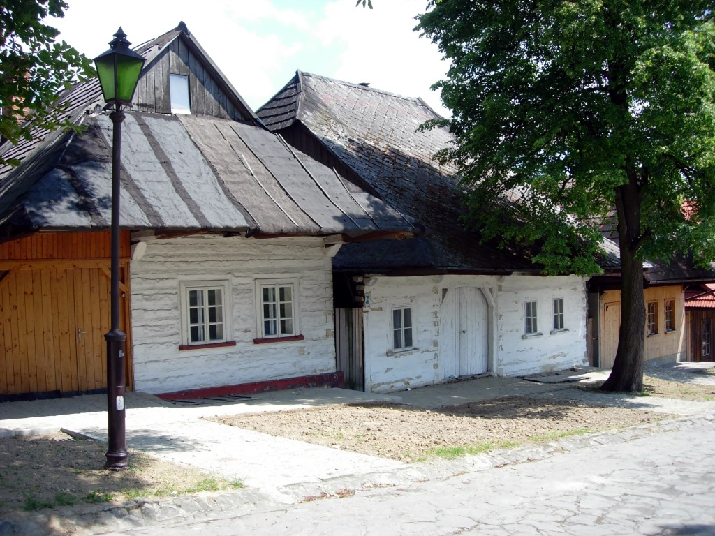 Lanckorona (GFDL fot. Jakub Hałun pl.wikipedia.org)