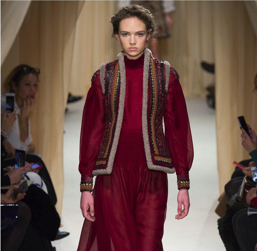 Valentino Haute Couture, fot. www.facebook.com/valentino