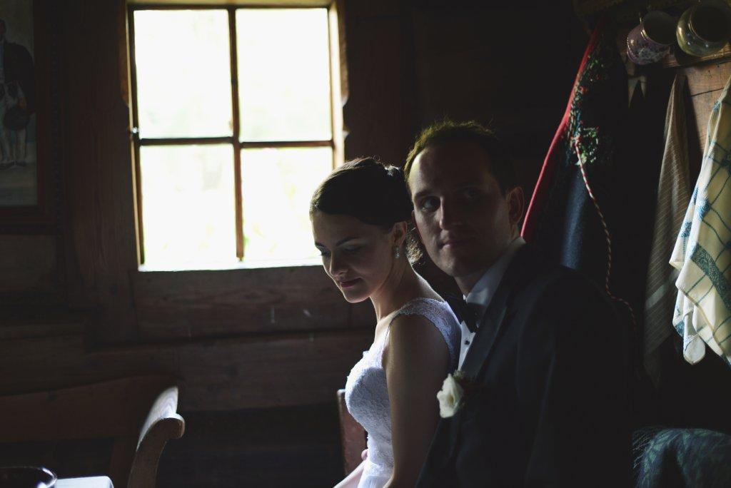 Sesja ślubna w małopolskim skansenie