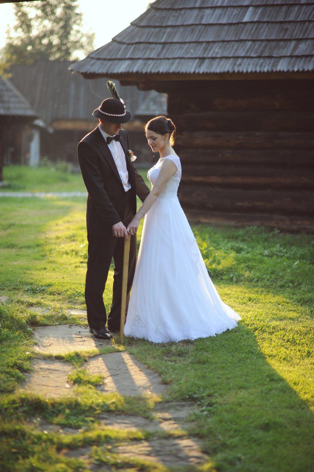 Zdjęcia ślubne w skansenie
