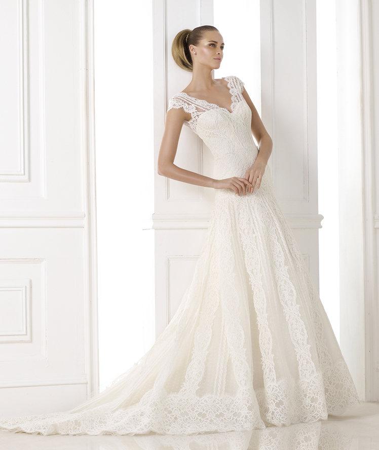 Model: Kande, Pronovias - rustykalna suknia ślubna