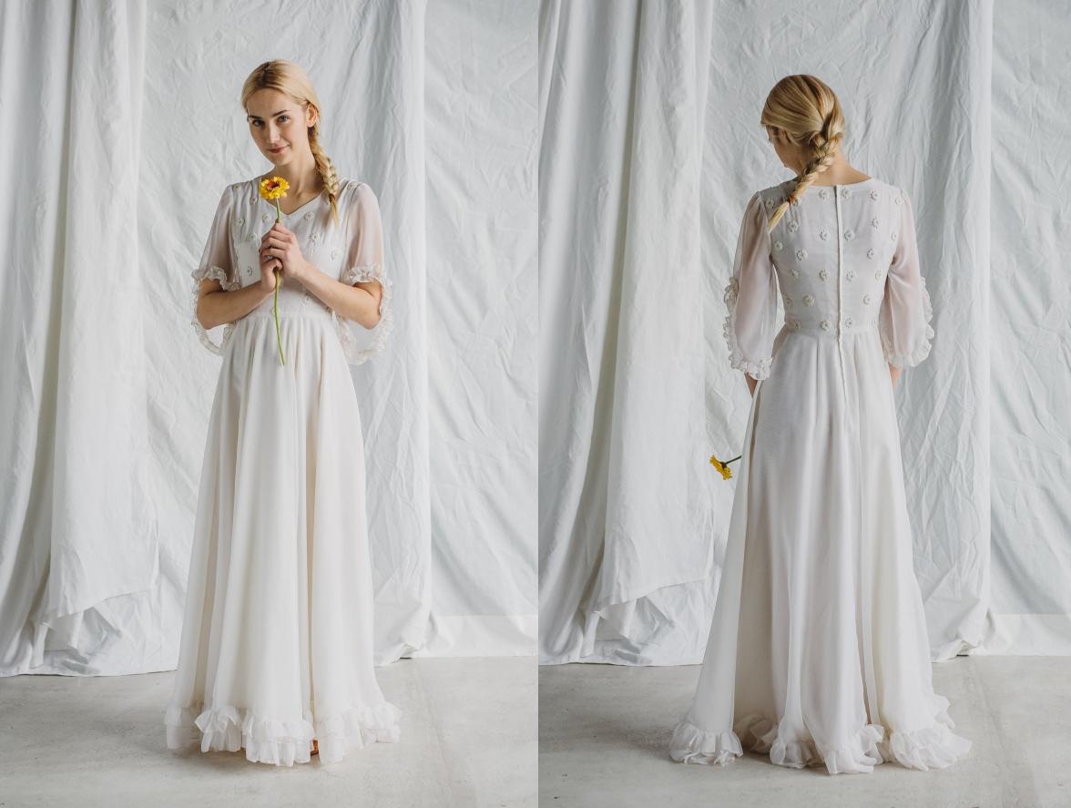 Model: Pavlova, Boso - rustykalna suknia ślubna